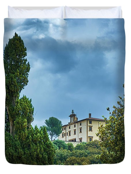 Building Seen From The Boboli Gardens In Florence, Italy Duvet Cover