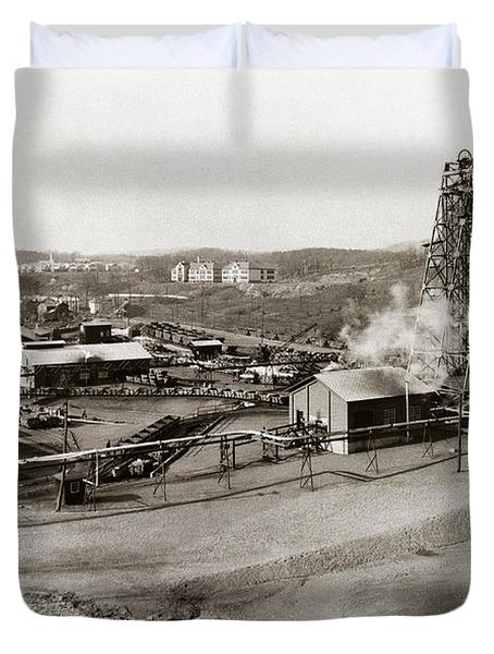 The Wanamie Colliery Lehigh And Wilkes Barre Coal Co Wanamie Pa Early 1900s Duvet Cover