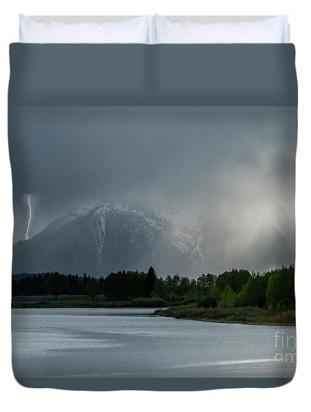 Duvet Cover featuring the photograph The Warning by Sandra Bronstein