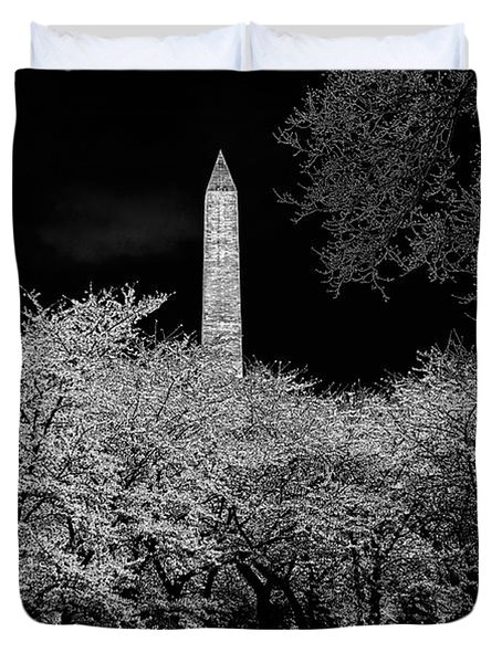 The Washington Monument At Night Duvet Cover by Lois Bryan
