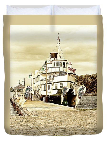 The Wenonah II Duvet Cover