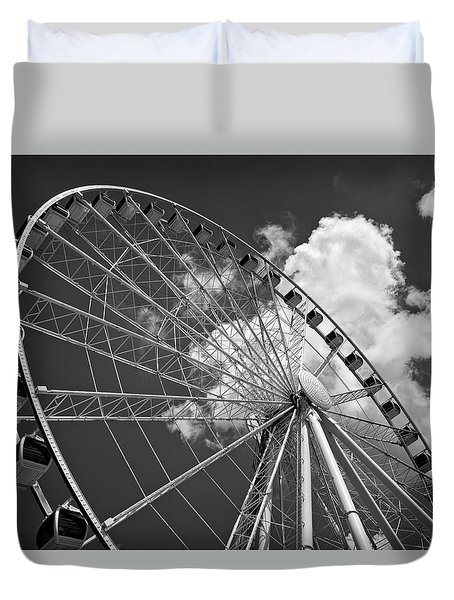 The Wheel And Sky In Black And White Duvet Cover