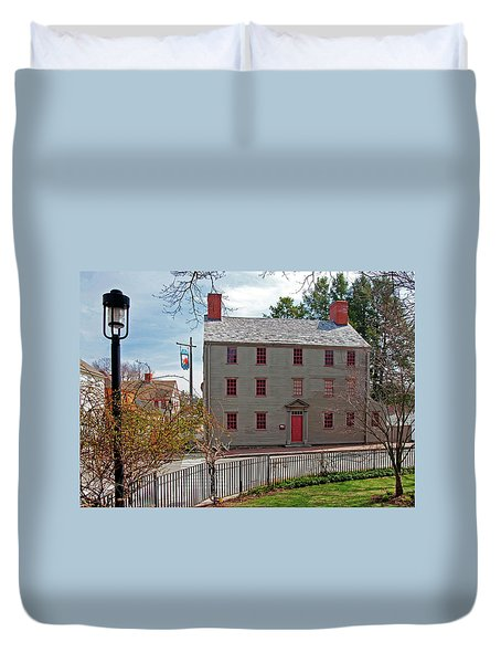 Duvet Cover featuring the photograph The William Pitt Tavern by Wayne Marshall Chase