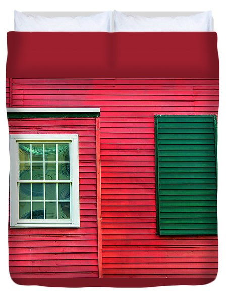 Duvet Cover featuring the photograph The Window And A Wannabe by Gary Slawsky