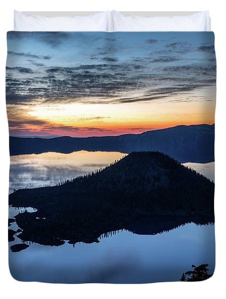 Duvet Cover featuring the photograph The Wizard At Dawn by Pierre Leclerc Photography