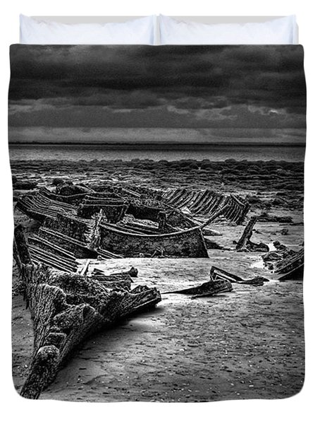 The Wreck Of The Steam Trawler Duvet Cover by John Edwards