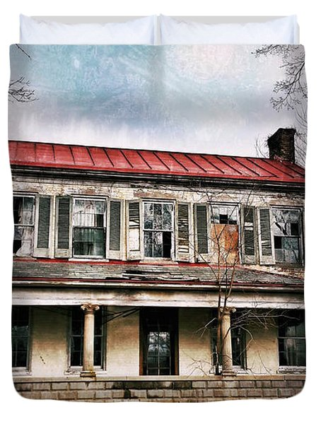 Duvet Cover featuring the photograph This Old House by Al Harden