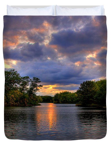 Thomas Lake Park In Eagan On A Glorious Summer Evening Duvet Cover