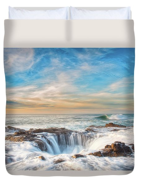 Duvet Cover featuring the photograph Thor's Well by Russell Pugh