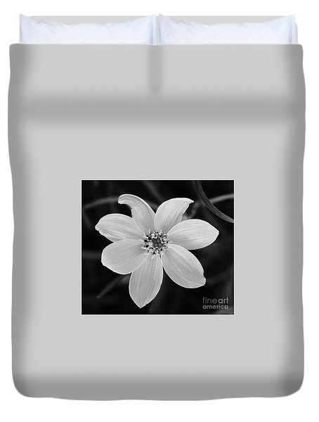 Threadleaf In Black And White Duvet Cover