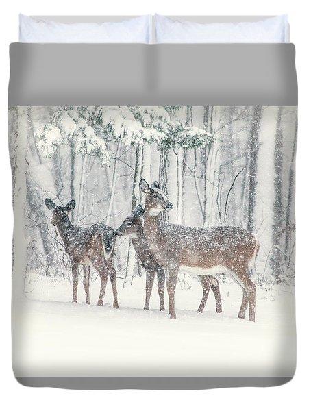 Three Deer Come Calling Duvet Cover