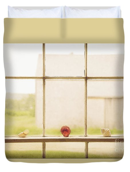 Duvet Cover featuring the photograph Three Window Shells by Craig J Satterlee