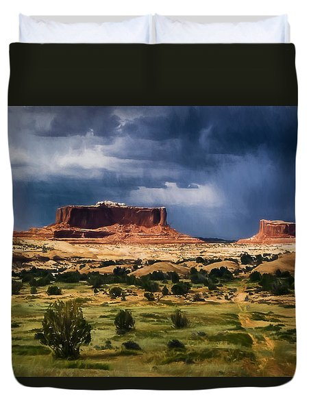 Thunderstorms Approach A Mesa Duvet Cover