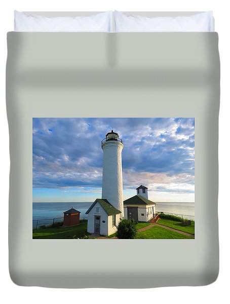 Tibbetts Point Lighthouse In June Duvet Cover