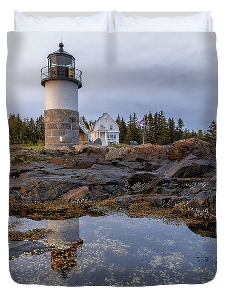 Tide Pools At Marshall Point Lighthouse Duvet Cover