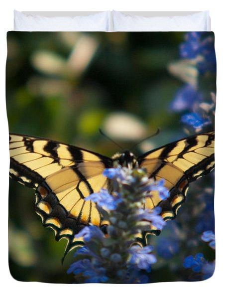Tiger Butterfly Visiting Ajuga Duvet Cover