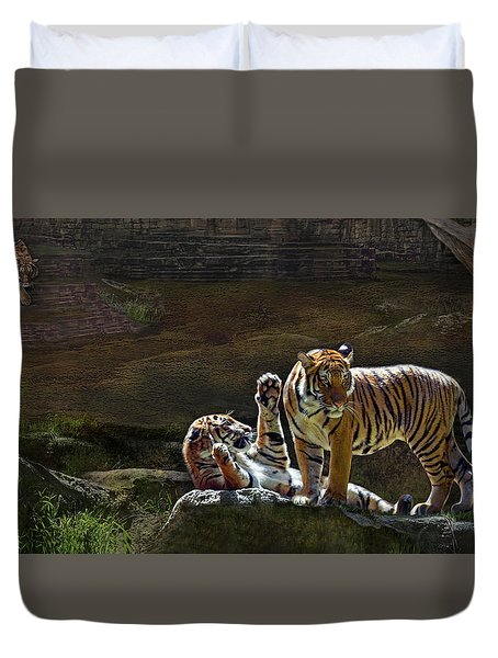 Tigers In The Night Duvet Cover