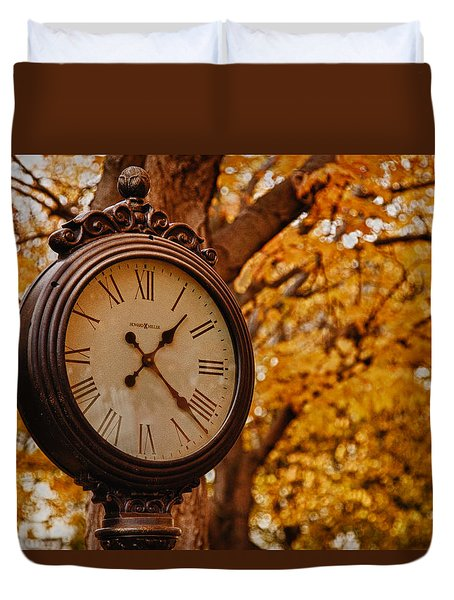 Duvet Cover featuring the photograph Time For Fall Foliage In Salem by Jeff Folger