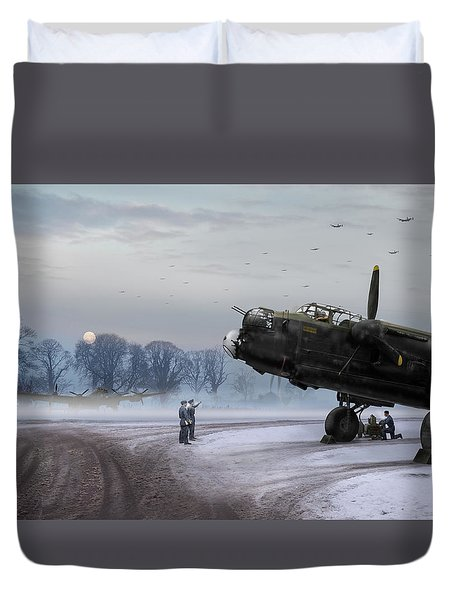 Time To Go - Lancasters On Dispersal Duvet Cover
