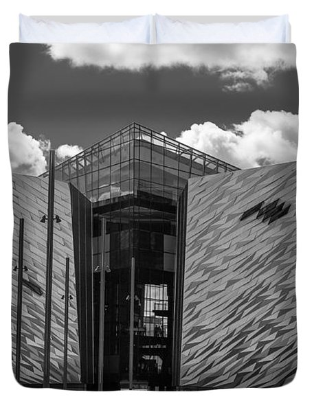 Titanic Memorial --belfast Duvet Cover