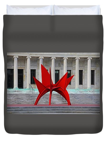 Toledo Museum Of Art With Alexander Calder 1973 'stegosaurus' II Duvet Cover