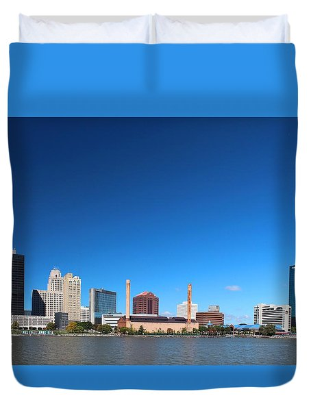Duvet Cover featuring the photograph Toledo Skyline I by Michiale Schneider