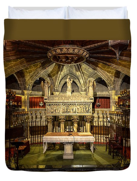 Tomb Of Saint Eulalia In The Crypt Of Barcelona Cathedral Duvet Cover