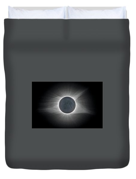 Duvet Cover featuring the photograph Total Solar Eclipse With Corona by Lori Coleman
