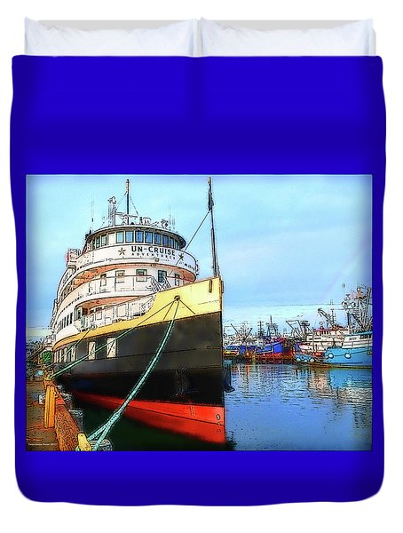 Tour Boat At Dock Duvet Cover