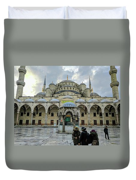 Tourists And The Blue Mosque Duvet Cover