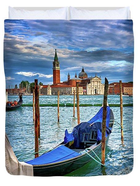 Gondolas And San Giorgio Di Maggiore In Venice, Italy Duvet Cover