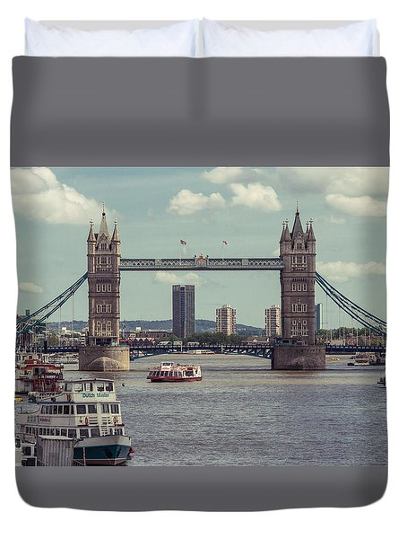 Tower Bridge B Duvet Cover