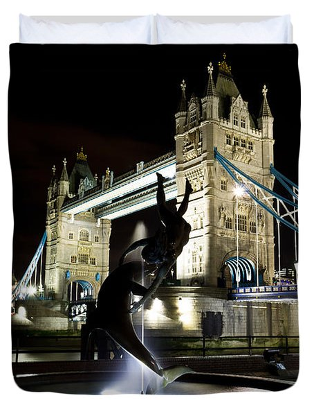 Tower Bridge With Girl And Dolphin Statue Duvet Cover