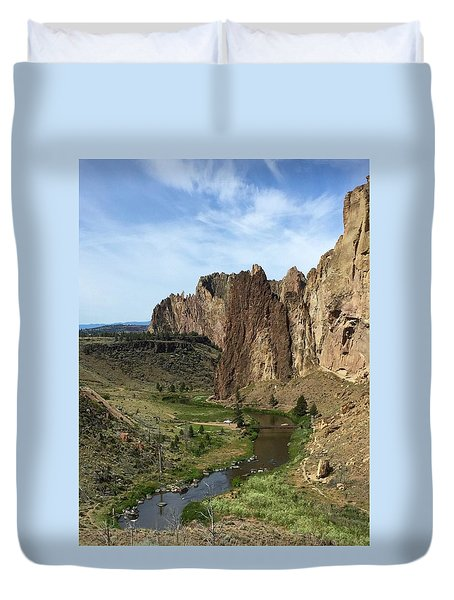 Towering Smith Rocks Duvet Cover
