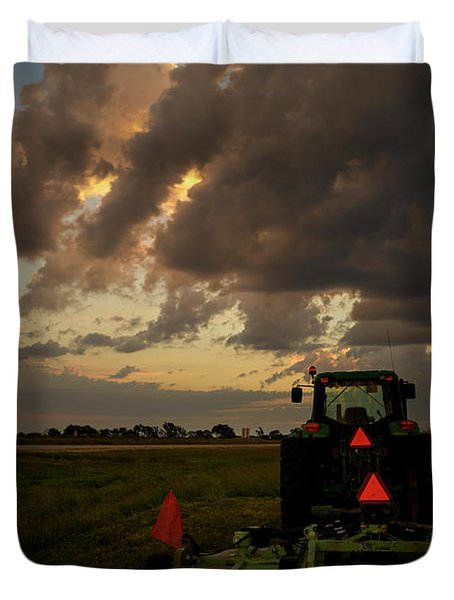 Tractor At Sunrise - Chester Nebraska Duvet Cover