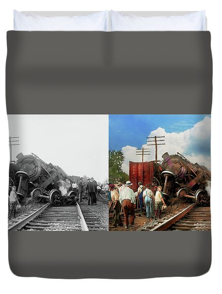 Duvet Cover featuring the photograph Train - Accident - Butting Heads 1922 - Side By Side by Mike Savad