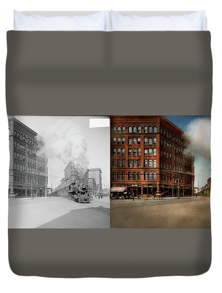 Duvet Cover featuring the photograph Train - Respect The Train 1905 - Side By Side by Mike Savad