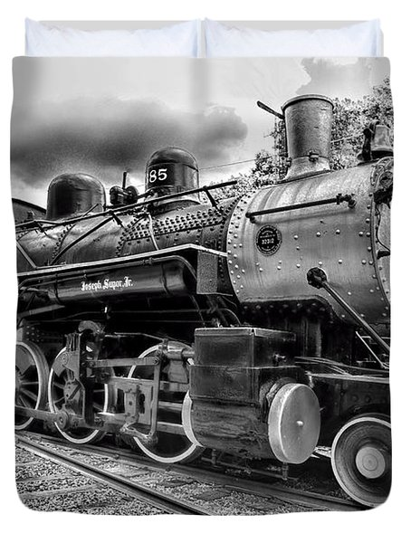 Train - Steam Engine Locomotive 385 In Black And White Duvet Cover