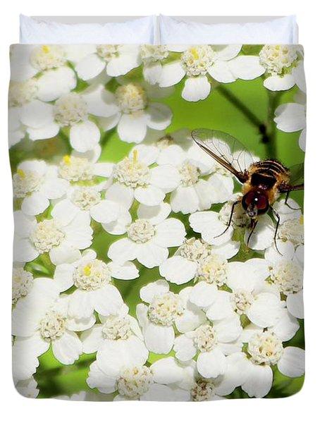 Transverse Flower Fly Duvet Cover