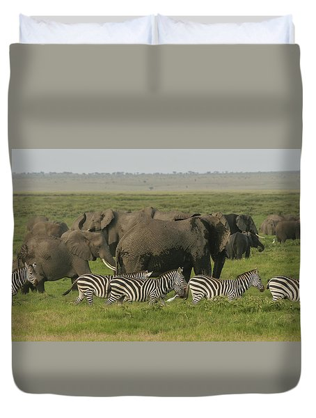 Duvet Cover featuring the photograph Travelling Companions by Gary Hall