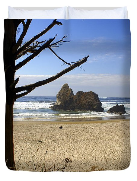 Tree And Ocean Duvet Cover by Marty Koch