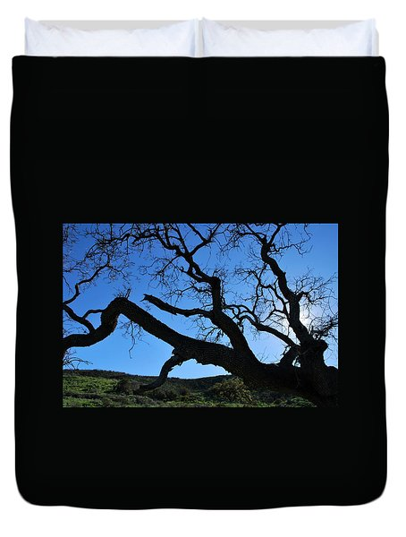 Tree In Rural Hills - Silhouette View Duvet Cover