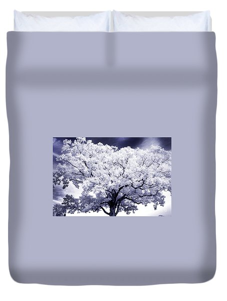 Duvet Cover featuring the photograph Tree by Paul W Faust - Impressions of Light