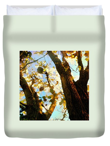 Duvet Cover featuring the digital art Treetop Abstract-look Up A Tree by Shelli Fitzpatrick