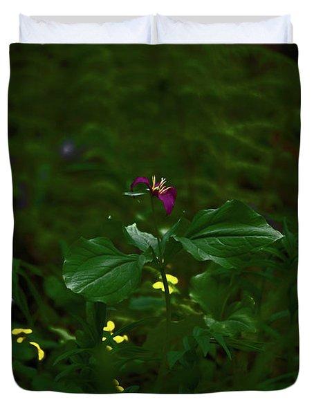 Trillium In The Forest Deep Duvet Cover