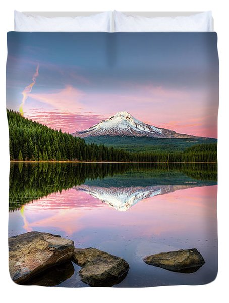 Trillium Lake Reflection Duvet Cover