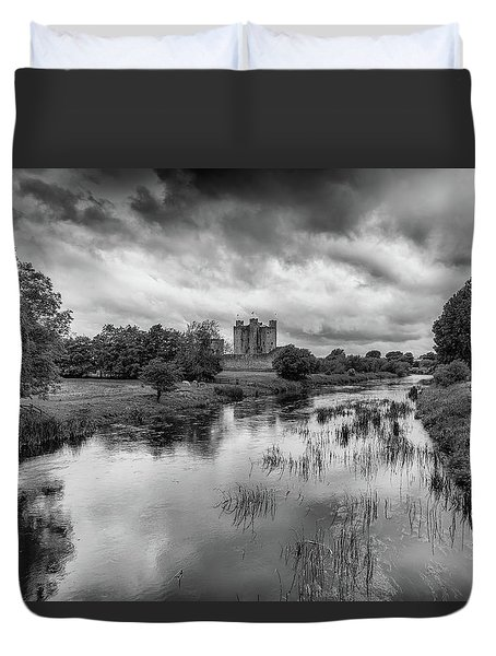 Trim Castle And The River Boyne Duvet Cover