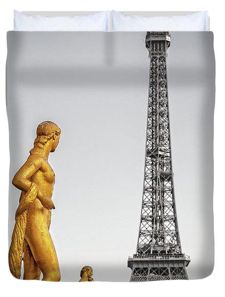 Trocadero Statues Duvet Cover