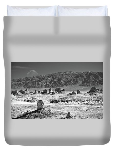 Trona Pinnacles With The Moon Duvet Cover
