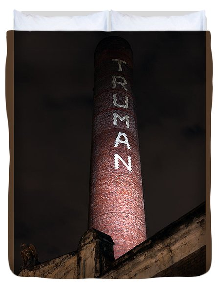 Truman Chimney In Brick Lane Duvet Cover